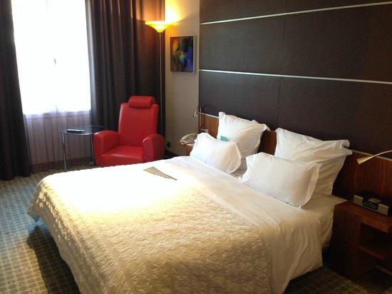 Le Meridien Barcelona: Prestige Suite bedroom 5th floor