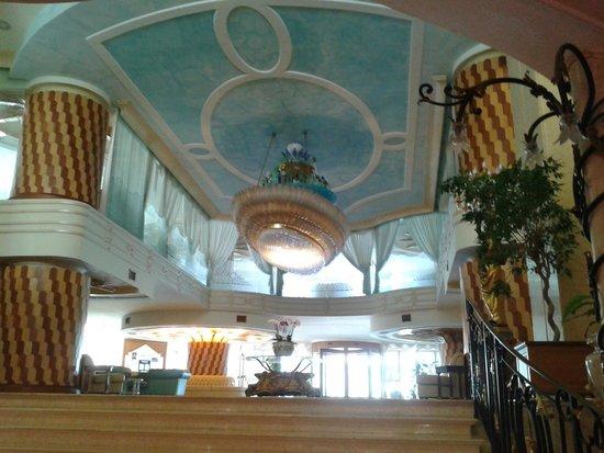 Grand Hotel la Pace : Hall