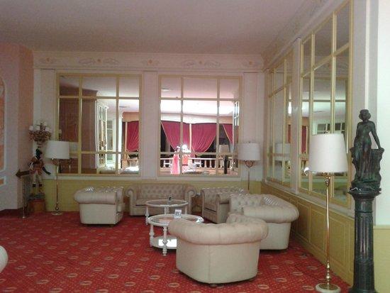 Grand Hotel la Pace : salottino ingresso
