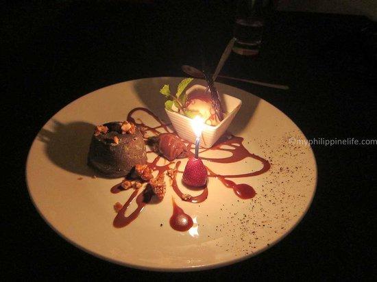 La Badiane restaurant : Chocolate lava cake with ice cream.  Excellent.