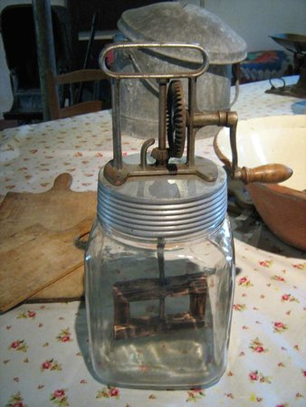 Dorset County Museum: Mixer - before Kenwood !