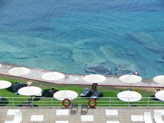 Kalamaki Beach Hotel : Eaux limpides !