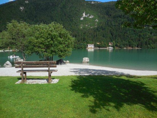 Alpenresort Belvedere Wellness & Beauty: Lungolago Molveno