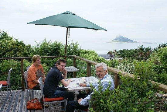 Mount Haven Hotel & Restaurant: terrace