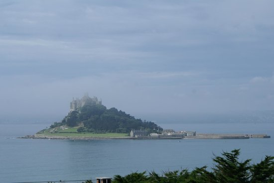 Mount Haven Hotel & Restaurant: view from the terrace