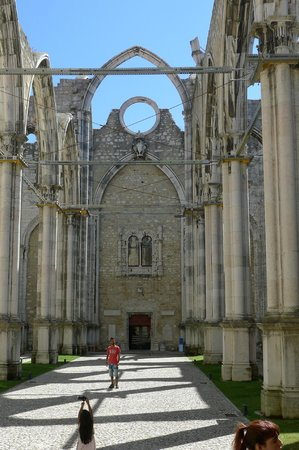 Carmo Archaeological Museum: Inside view