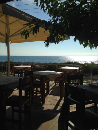beach view from brekkie table