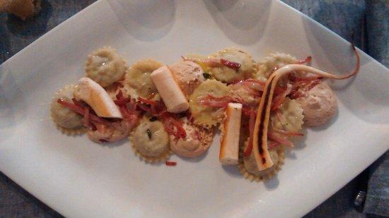 Ciasa Mia: Raviolis with girolles mushrooms, grilled speck and calamari