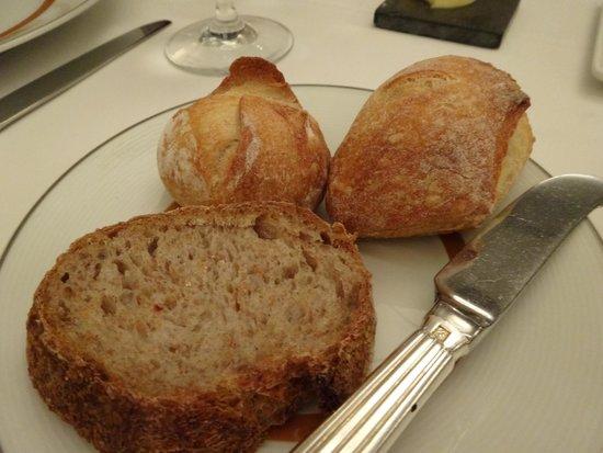 Cafe Boulud : Bread .... I LOVE the bread
