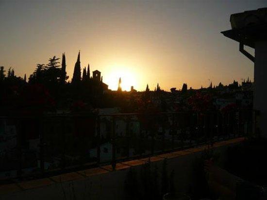 Solar Montes Claros: Sunset over Albaicin, Granada