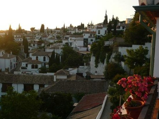 Solar Montes Claros : View to houses Albaicin, Granada