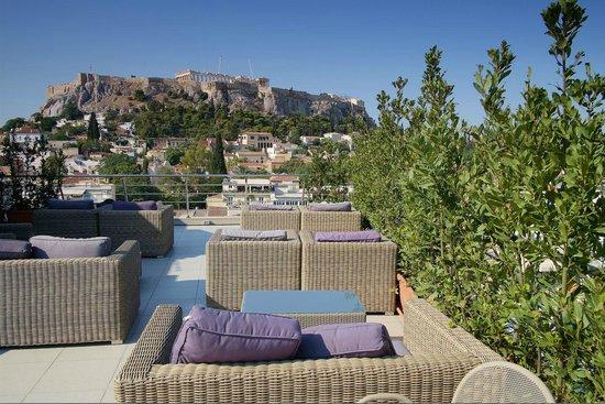 Plaka Hotel: Vue sur l'Acropole depuis la terrasse du toit de l'Hôtel