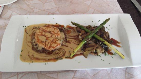 Pau Restaurant: solomillo con fua