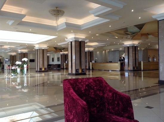 La Marquise Luxury Resort Complex : La Marquise impressive lobby