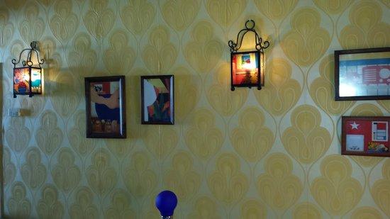 Hotel Enfrente Arte: bedroom