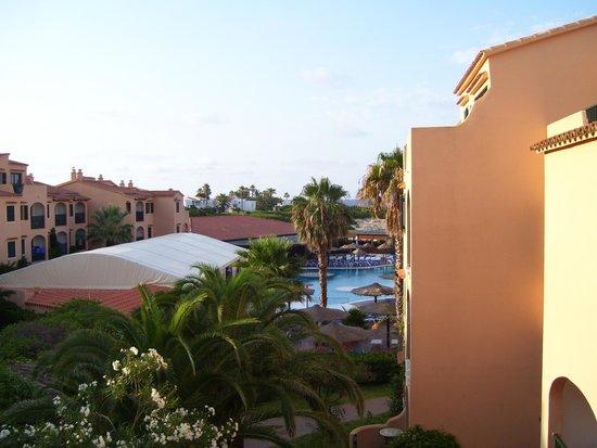 Eden Village Siesta Playa : Piscina e teatro tenda