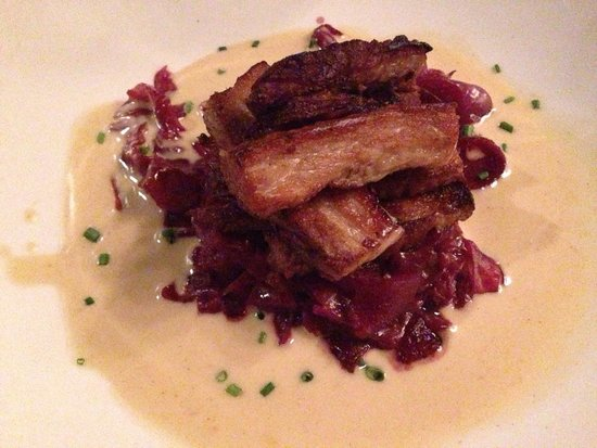 Cat & The Custard Cup: Pork belly starter on red cabbage
