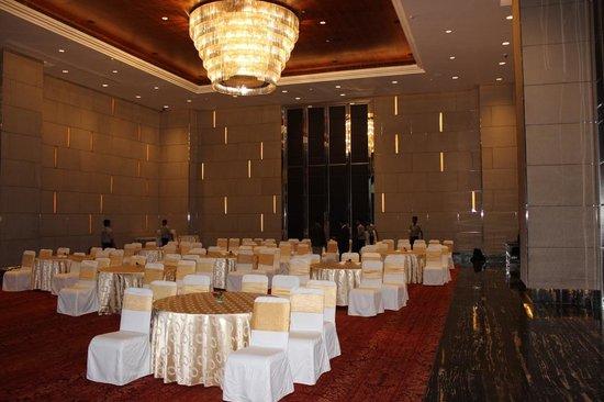 Vivanta by Taj - Gurgaon, NCR: Tango hall 1