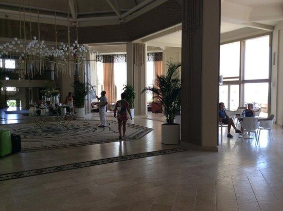 SENTIDO Perissia : Hall d'accueil