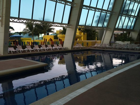 Crown Paradise Club Cancun: Indoor Pool