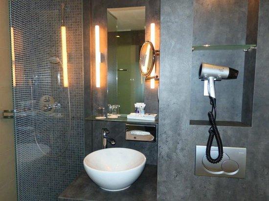 Mercure Wien Zentrum: salle de bain