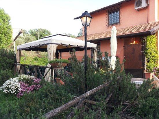 Antica Campana: Gazebo per colazione estate