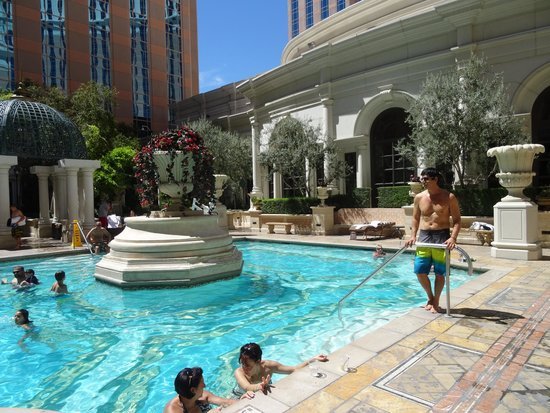 Venezia Pool Deck Picture Of The Venetian Las Vegas Las Vegas Tripadvisor