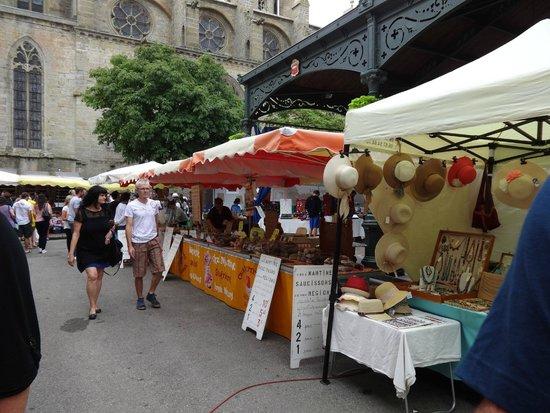 Les Marguerites: Mirepoix market