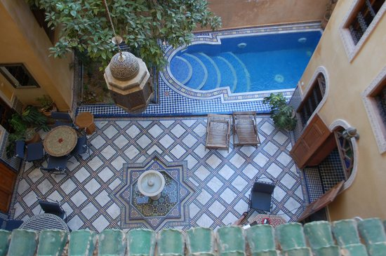 Riad Layalina Fes : courtyard from above