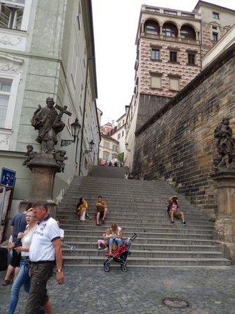 Castle District : narrow walkways
