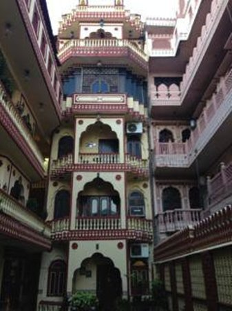 Umaid Bhawan Heritage House Hotel: Hotel Lobby