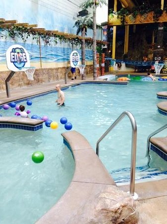 Edgewater Hotel & Waterpark: the pool