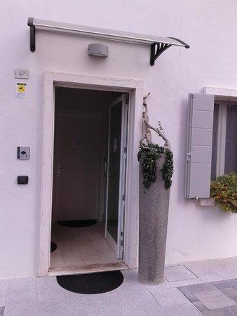 Il Punto Rooms & Breakfast: L'ingresso