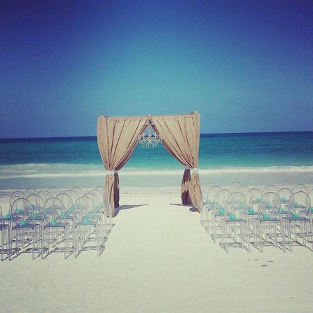 Belmond Maroma Resort & Spa: Ceremony on the beach