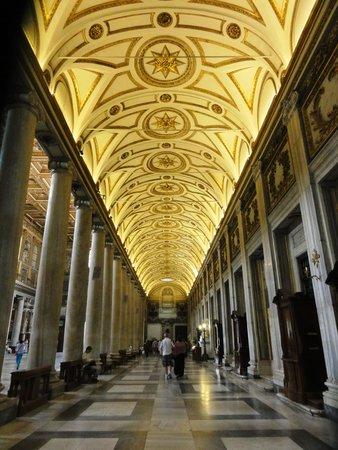 Basilica di Santa Maria Maggiore : Lateral