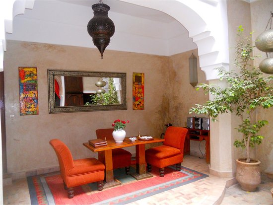 Riad Zolah: Se reposer dans le patio