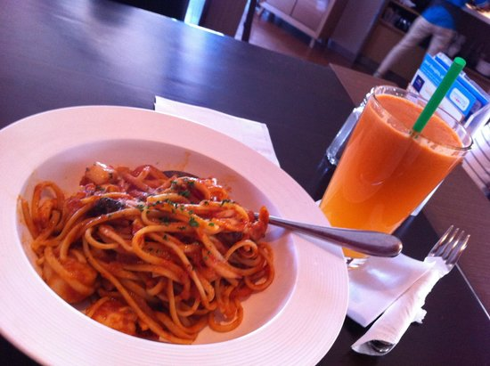 Element Fresh: seafood linguine and apple carrot juice