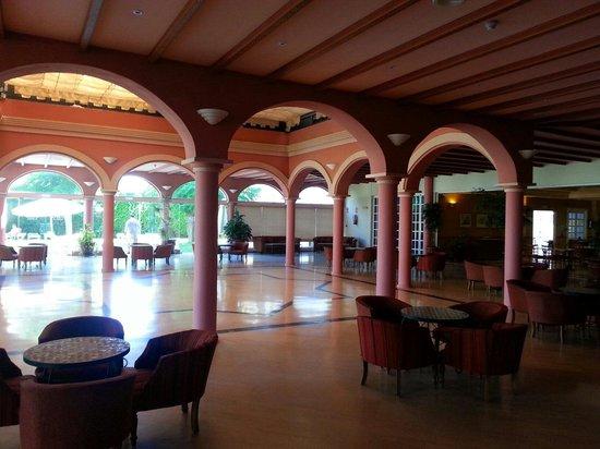 hotel solucar sanlucar mayor: