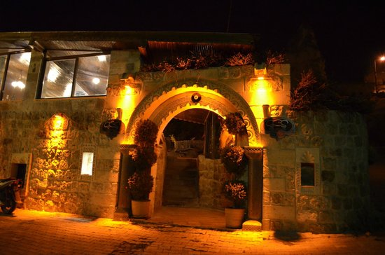 Grand Cave Suites: Entrance