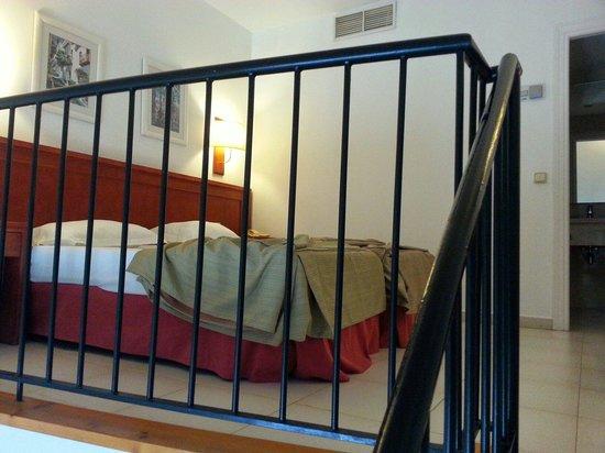 Exe Gran Hotel Solucar: Habitacion duplex