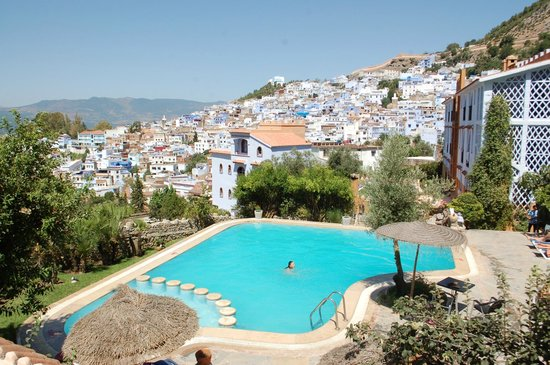 Dar Echchaouen: pool and town