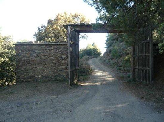 Cortijo Prado Toro: Impressive gateway entrance to Prado Toro