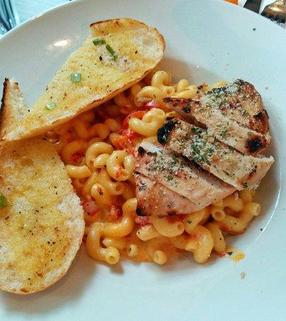 Hard Rock Cafe Berlin: Mac Cheese Chicken