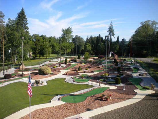 Lakewood, NY: Miniature Golf
