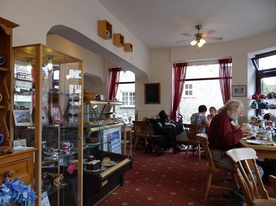 Angel Corner Tea Rooms: Serving Area