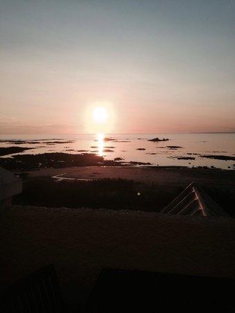 La Pulente: Sun going down , taken from upstairs balcony area