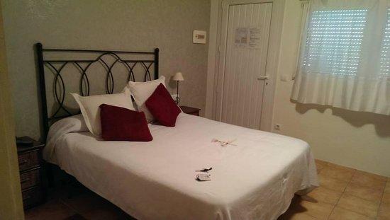 Hotel El Cau de Papibou: Rooms