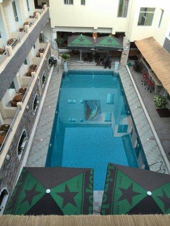 City Hill Hotel : Swimming pool