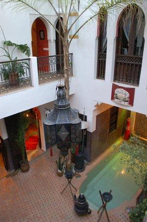 Riad La Porte Rouge: courtyard