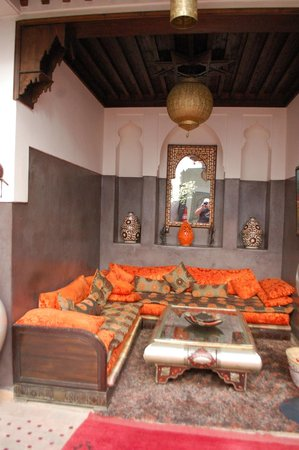 Riad La Porte Rouge: lounge area